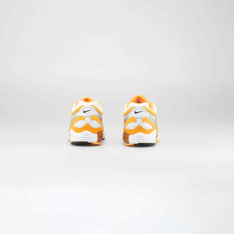 AIR GHOST RACER MENS RUNNING SHOE - ORANGE/WHITE