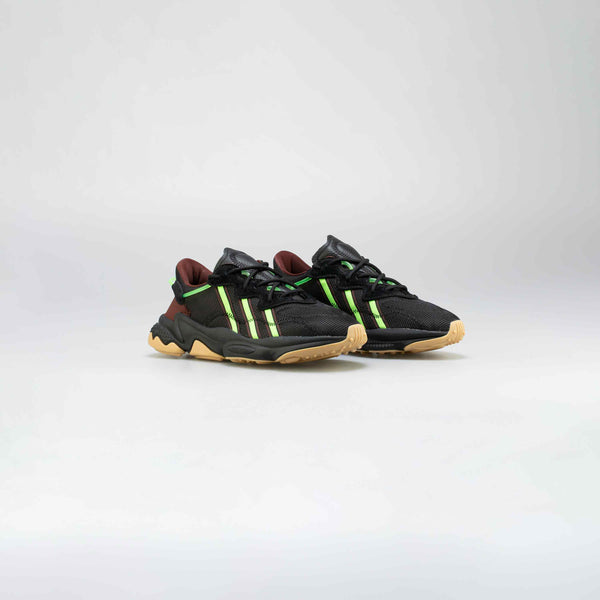 ADIDAS ORIGINALS X PUSHA T OZWEEGO MENS RUNNIG SHOE - BLACK/GREEN/GUM