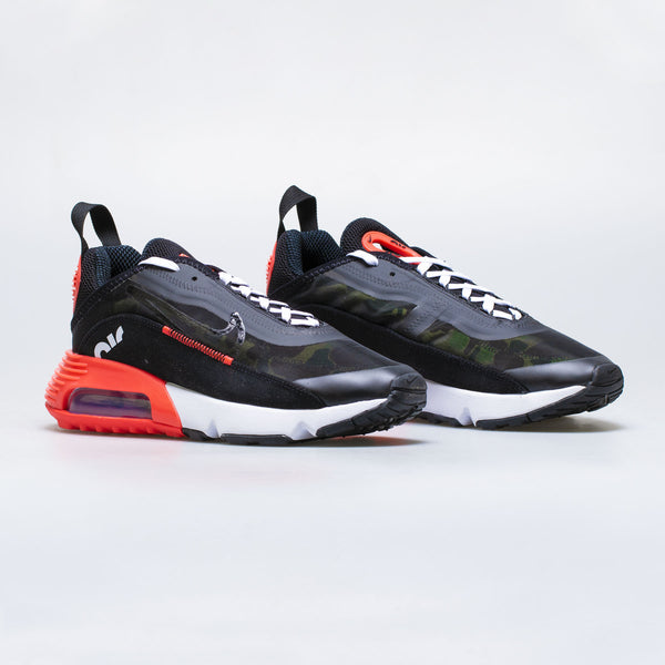 AIR MAX 2090 DUCK CAMO MENS RUNNING SHOE - BLACK/RED