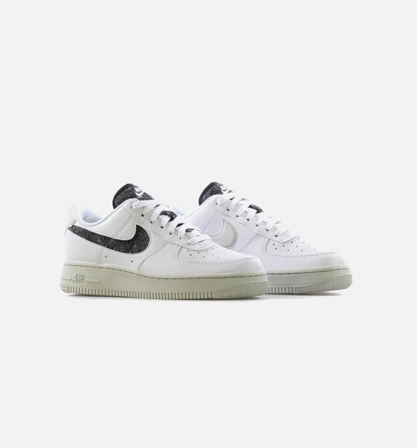 AIR FORCE 1 07 LOW SE WOMENS LIFESTYLE SHOE - WHITE/BLACK