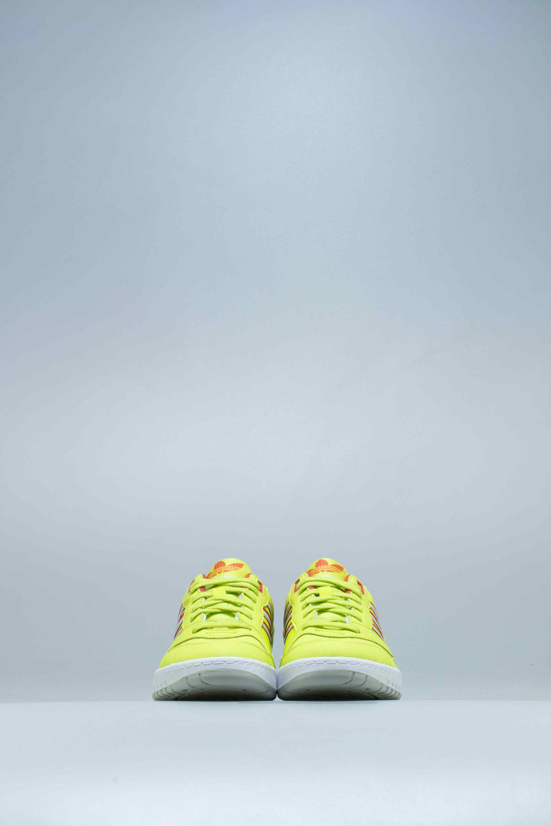 A.R. TRAINER MENS SHOE - SEMI SOLAR YELLOW/ LUSH RED /GREEN