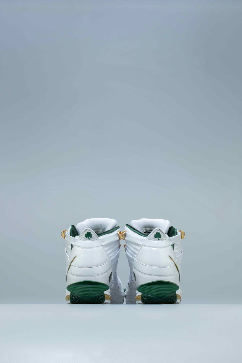 "NIKE LEBRON 3 QS ""SVSM HOME"" MENS BASKETBALL SHOE - WHITE/DEEP FOREST-GOLD DUST"