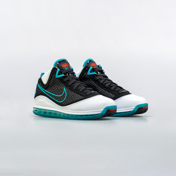 LEBRON 7 RED CARPET MENS BASKETBALL SHOE - WHITE/BLUE