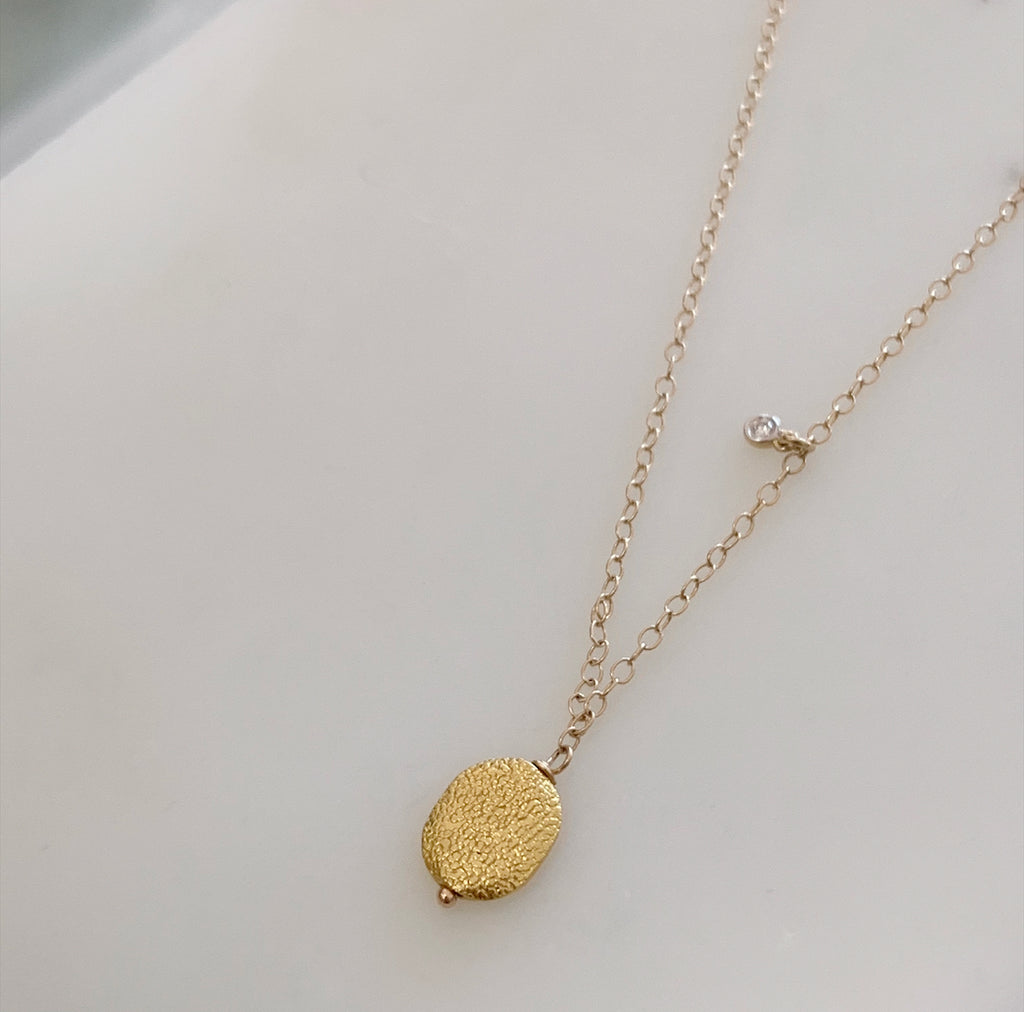 18k Gold Disk Necklace w/ Diamond