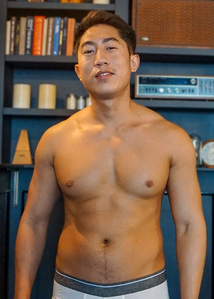 SHIRTLESS-MODEL-WITH-32 INCH-WAIST-IN-UNDERWEAR