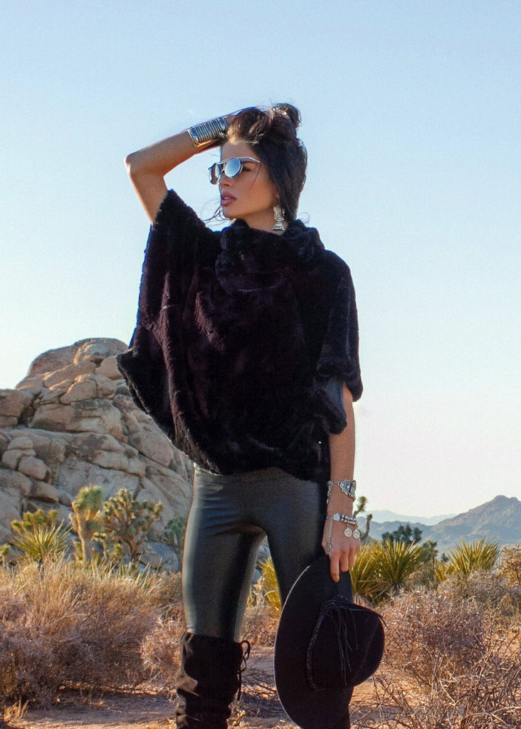 Johanne Beck Bohemian Style Black Faux Fur Top Boho Chic