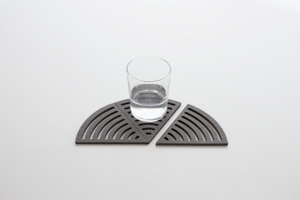 PIE-SHAPED COASTERS AIR