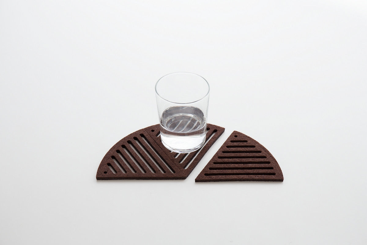 PIE-SHAPED COASTERS RAIN