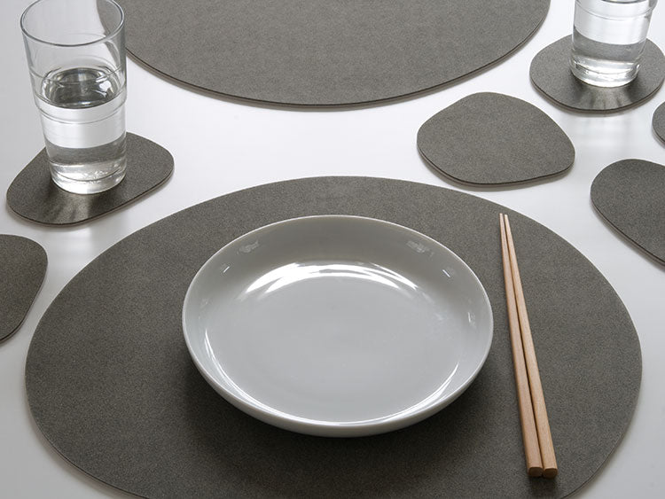 PEBBLE PLACEMAT