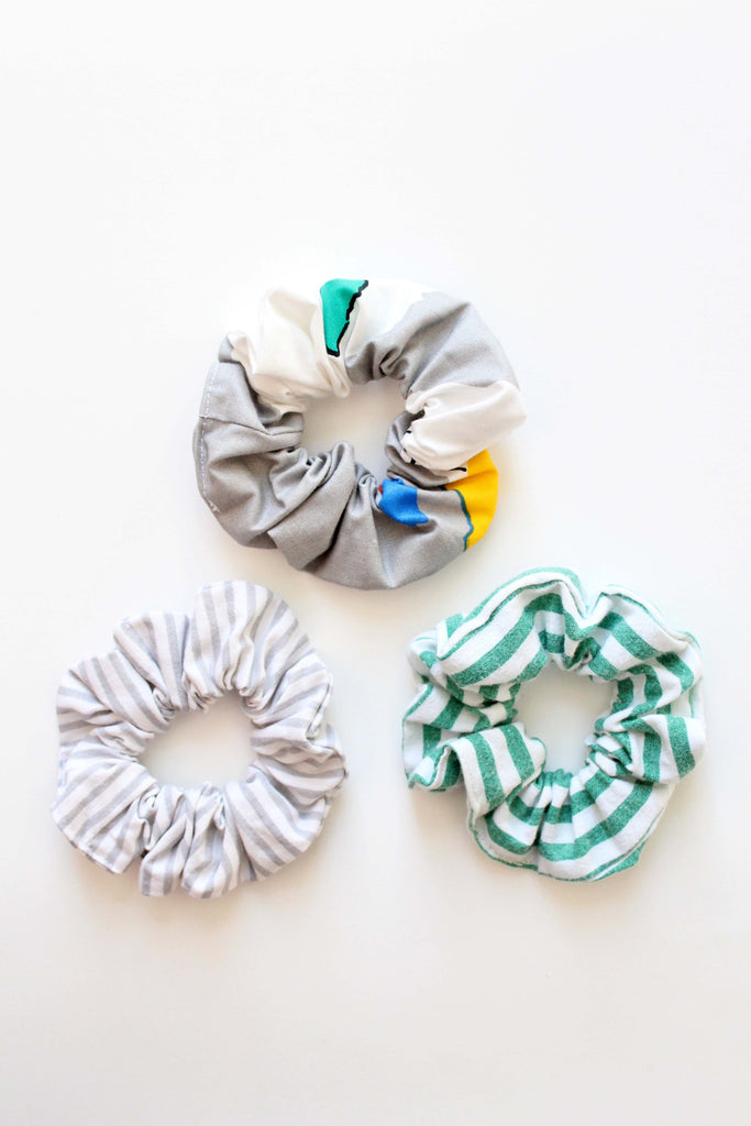 VIVID SET OF SCRUNCHIES