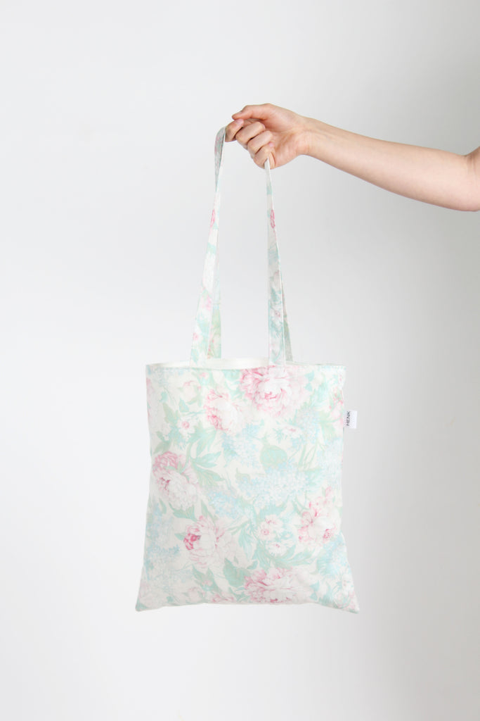LIGHT BLUE FLORAL TOTE BAG - IKIGAI LABELS