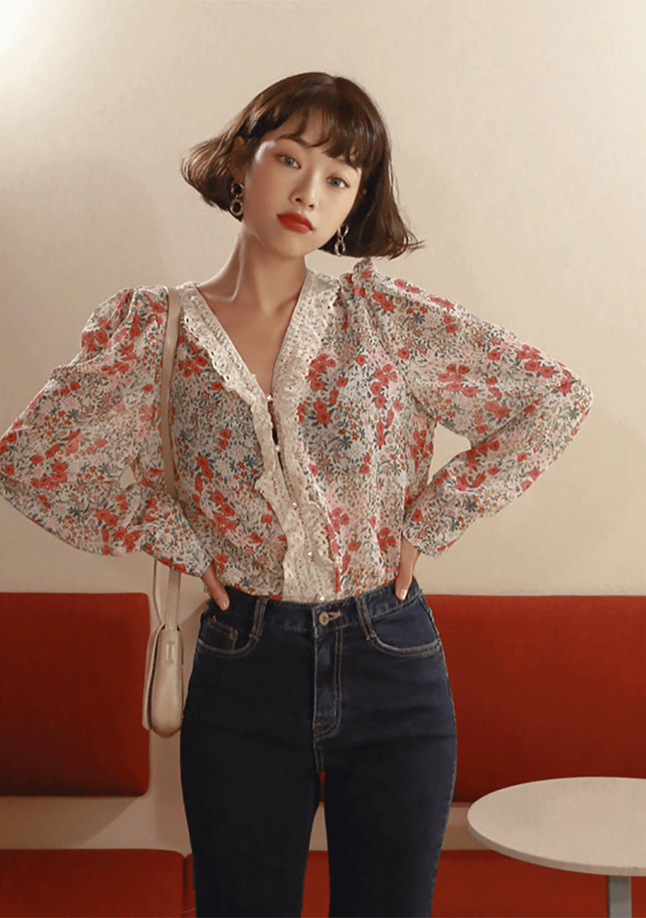 WITHIPUN tops My Butterfly Garden Lace Neckline Blouse[Ivory]