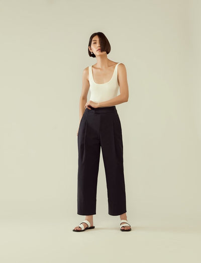 rye Deep Pleated Structured Trousers