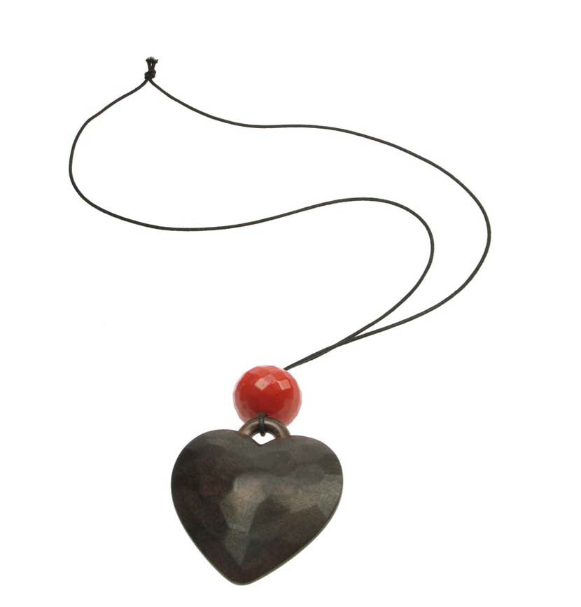 Stunning Heart pendant with ruby red bead
