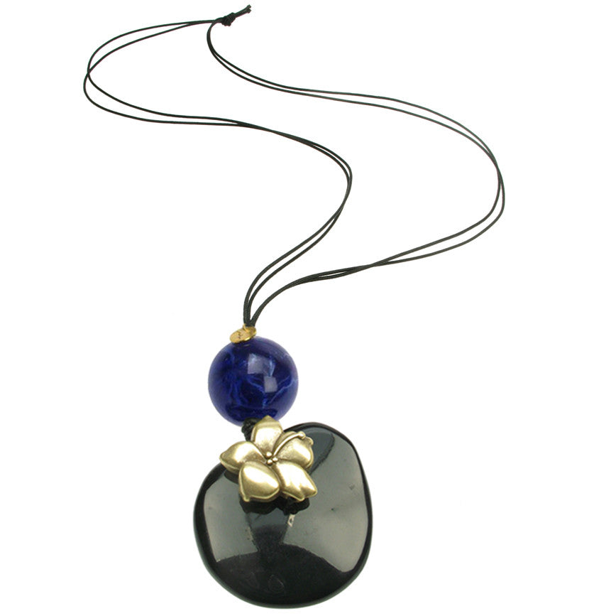 Black pebble and blue bead pendant with flower