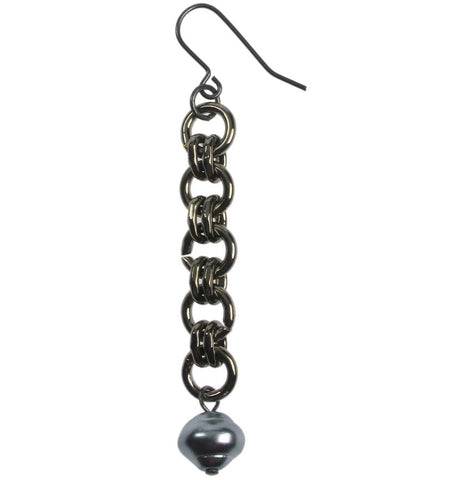 Black plated chain and grey pearl earrings