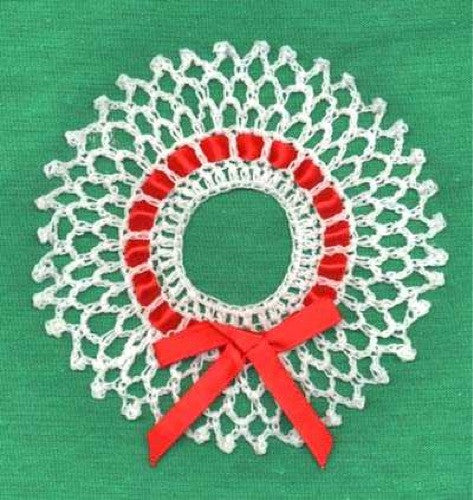Wreath And Candy Cane Ornaments Crochet Pattern Maggies Crochet