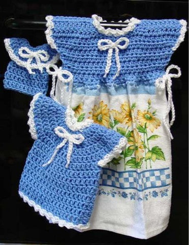 blue and white oven door dress potholder and fridgie