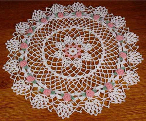 rosebud star doily white and pink