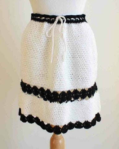 monochrome mini skirt pattern