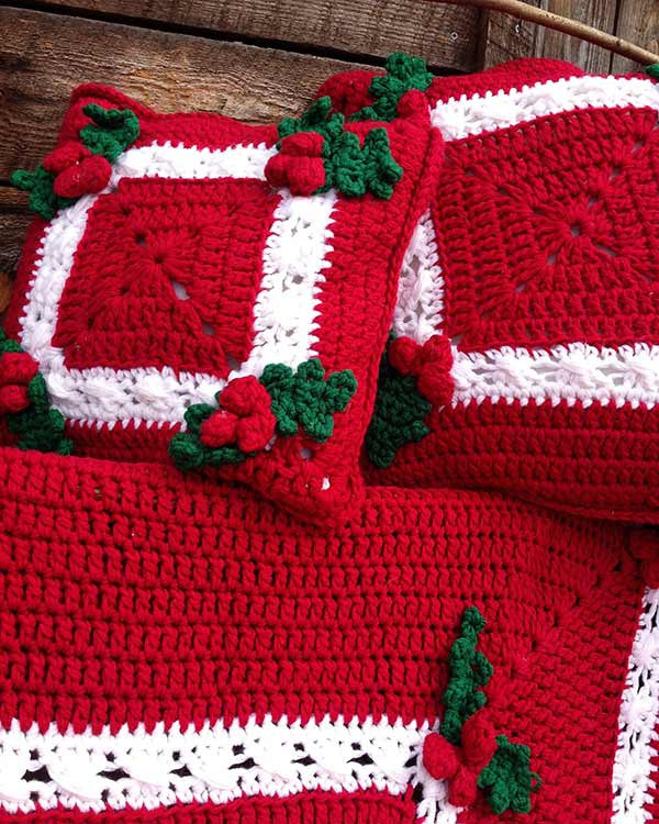 Holly Amp Berries Afghan Amp Pillow Crochet Pattern Maggie S