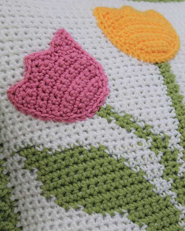 Crochet Pattern For Tulip Afghan : Tulip Afghan and Pillow Set Crochet Pattern ? Maggies Crochet