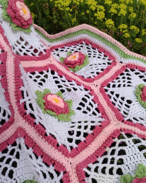 Rose Garden Afghan Crochet Pattern ? Maggies Crochet