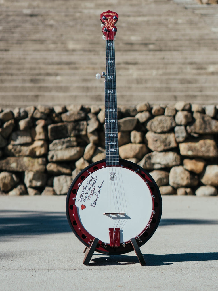 Kevin Nealon Giving Tuesday Charity Banjo