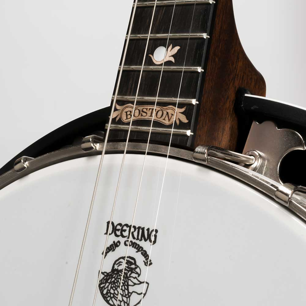 Deering Boston 17 Fret Tenor Banjo Neck Close Up