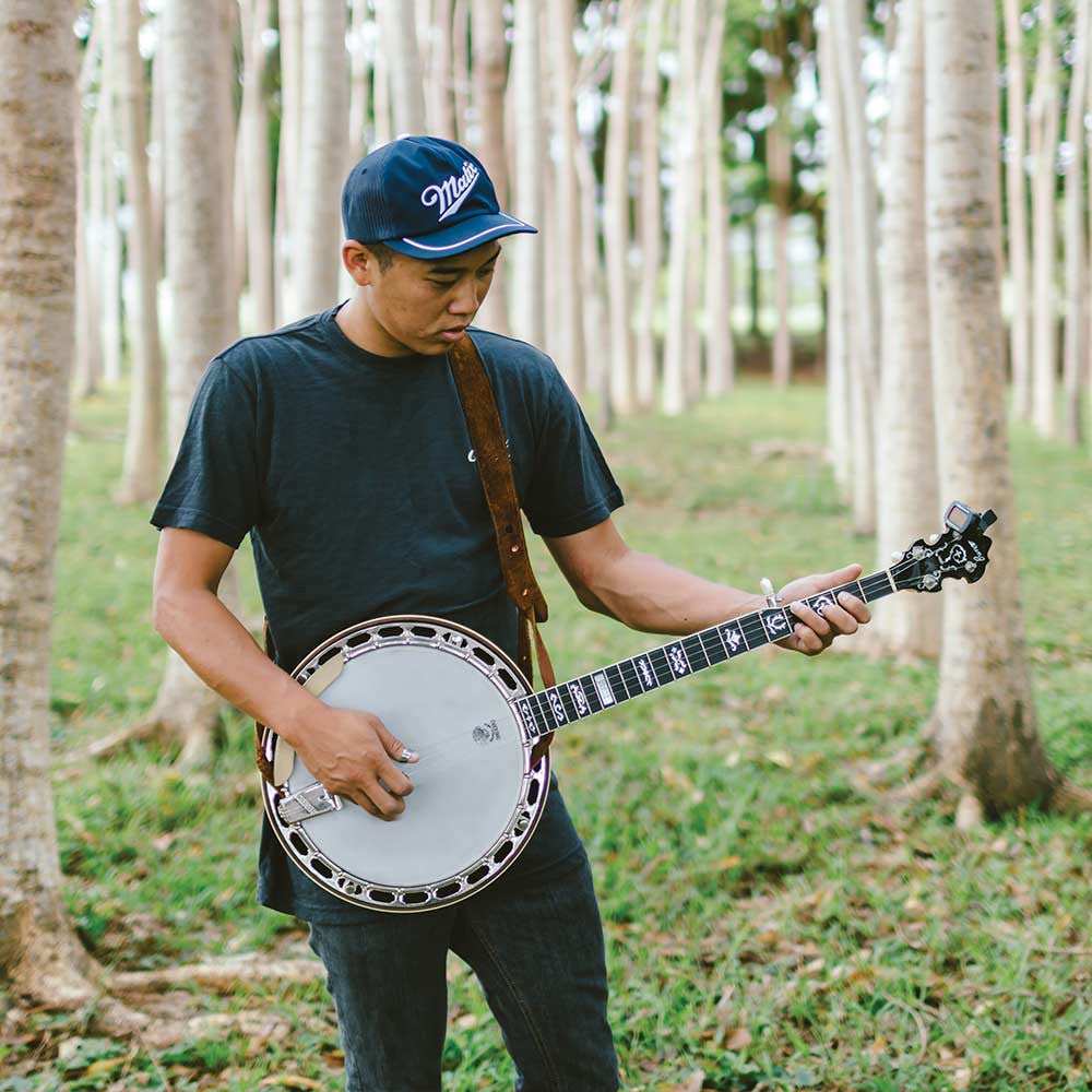 Deering Golden Wreath banjo - Mike Pham in woods