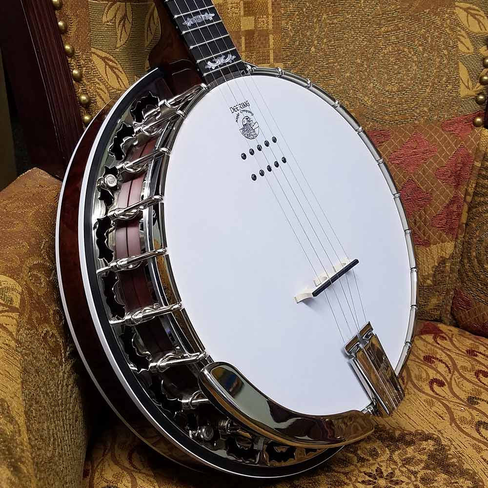 Deering Eagle II Acoustic Electric banjo - pot on chair