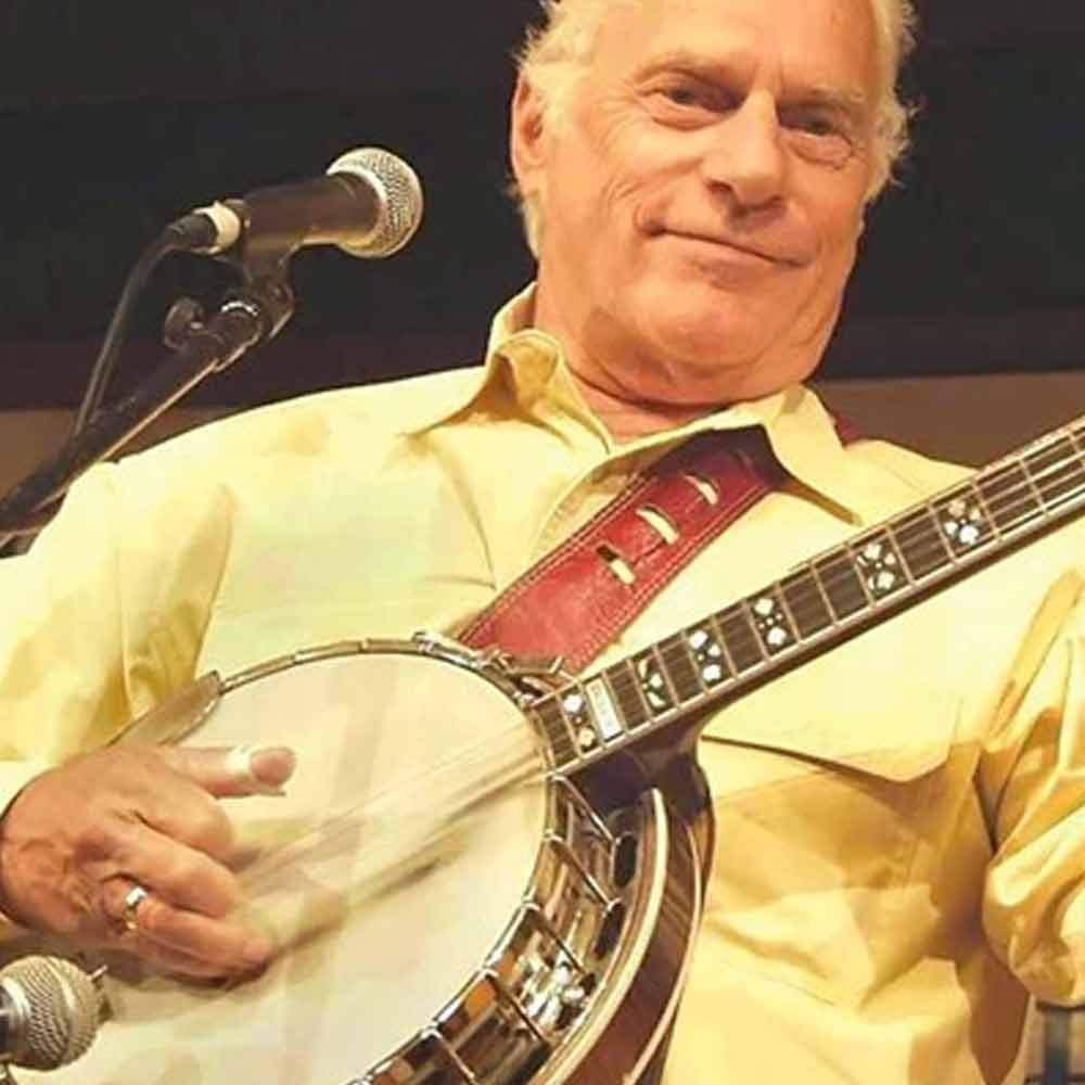Eddie Adcock with his Deering Golden Era banjo