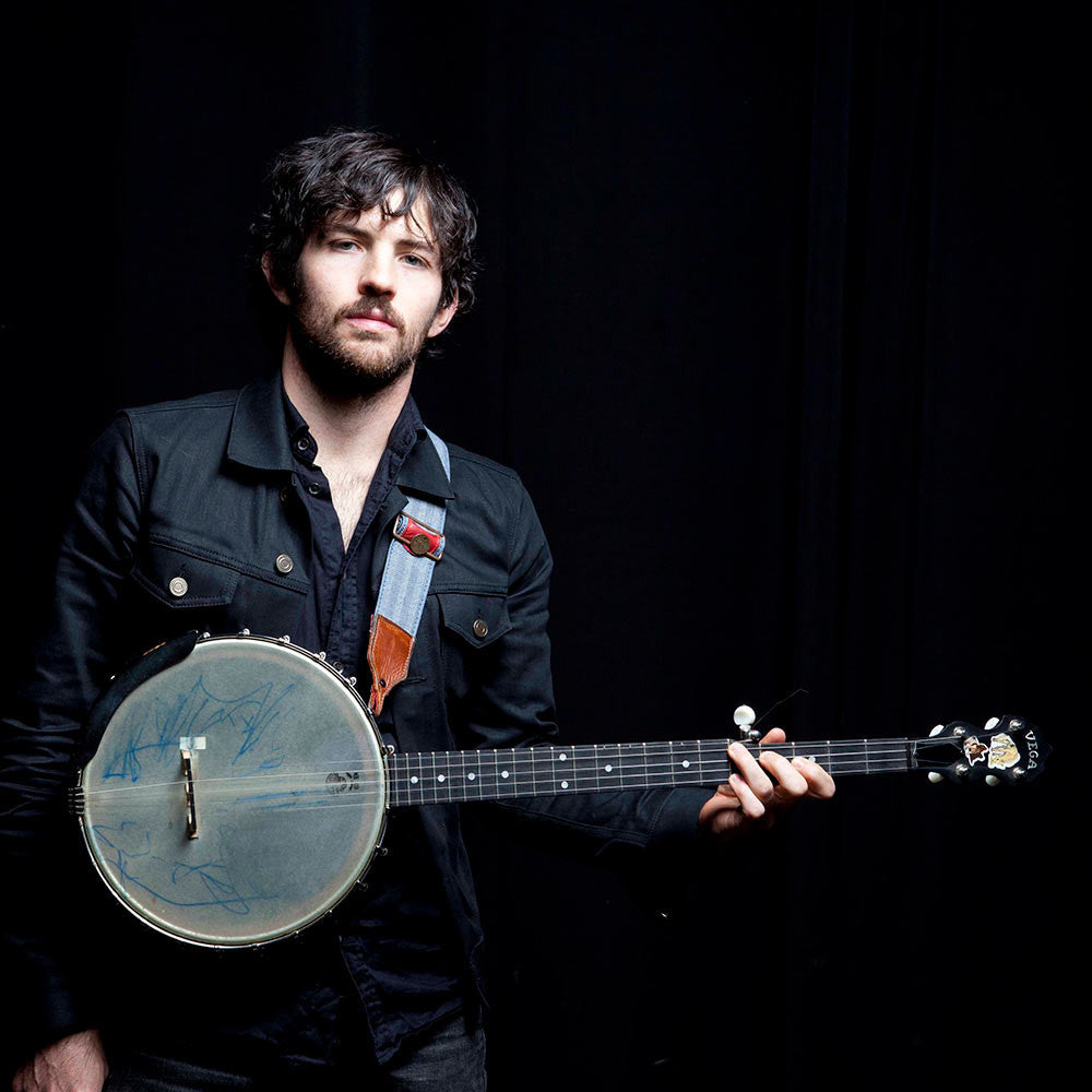 Scott Avett with his Vega Senator banjo