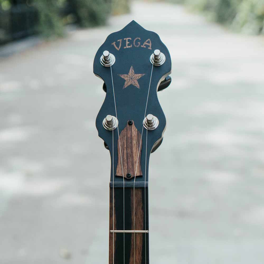 Vega Vintage Star banjo - peghead front on bridge