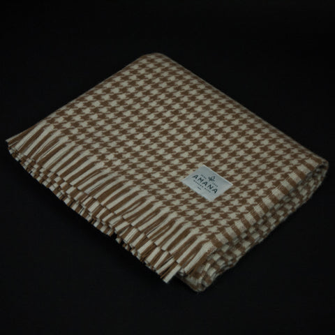 AMANA HOUNDSTOOTH WOOL THROW TAN/WHITE
