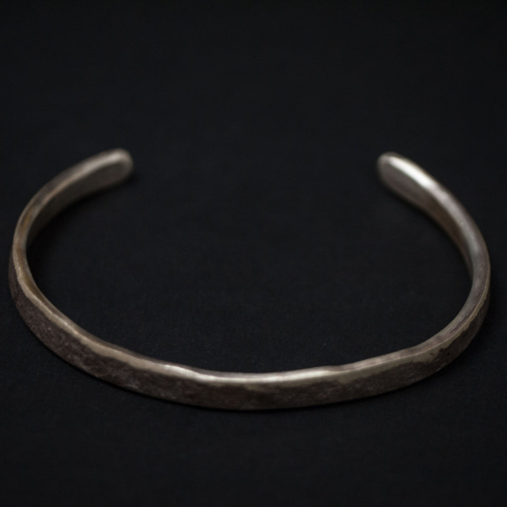 ROUGH & TUMBLE THIN SILVER CUFF