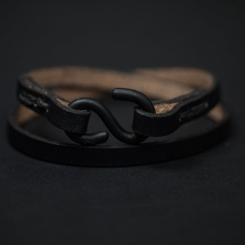 TRIUMPH DOUBLE WRAP LEATHER BRACELET BLACK