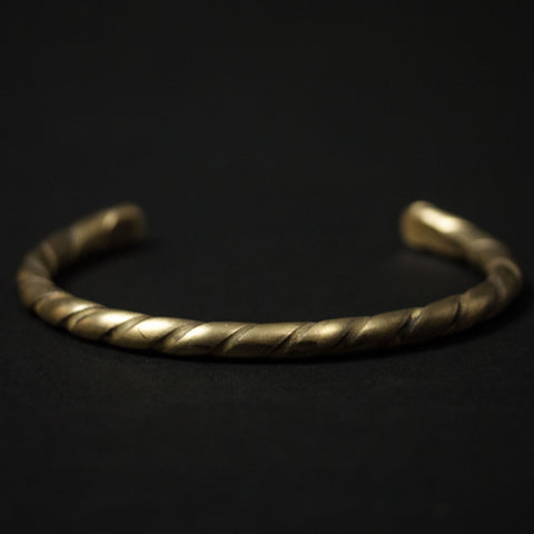 TWISTED BRASS BAR CUFF - THE LODGE  - 1