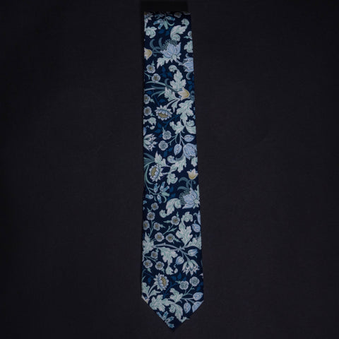 General Knot Climbing Mums Floral Tie at The Lodge