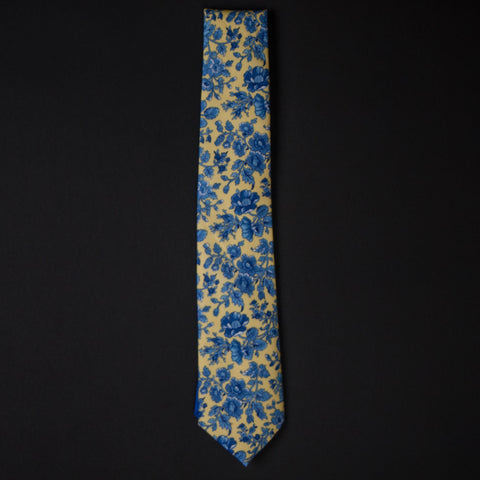 General Knot Forget-Me-Knot Floral Tie at The Lodge