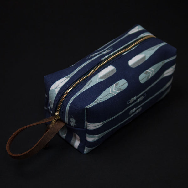 General Knot Vintage Oars Dopp Kit at The Lodge