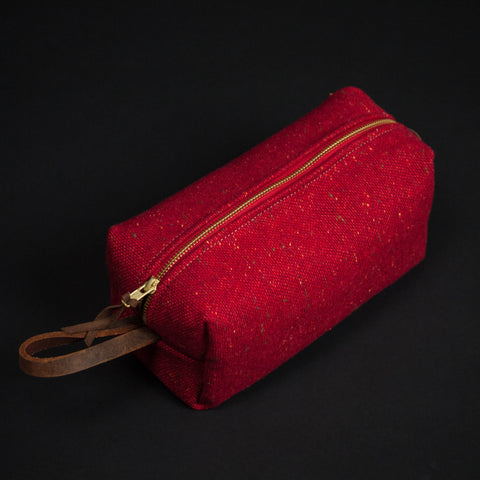 RED DONEGAL WOOL TWEED DOPP KIT - THE LODGE  - 1