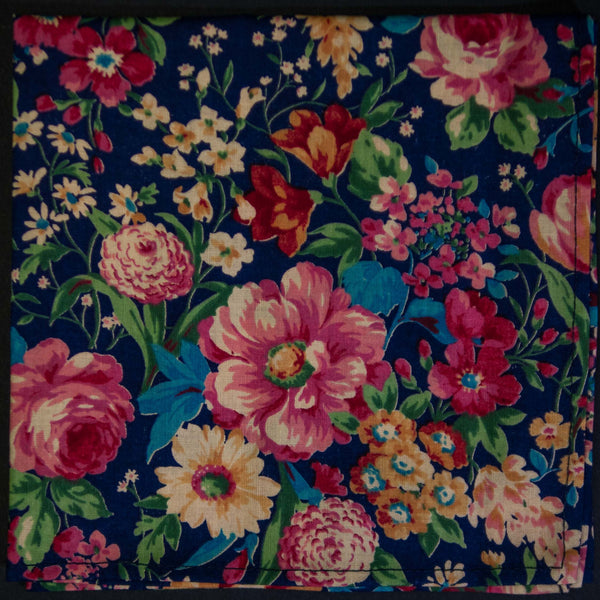 General Knot Spring Garden Pocket Square at The Lodge