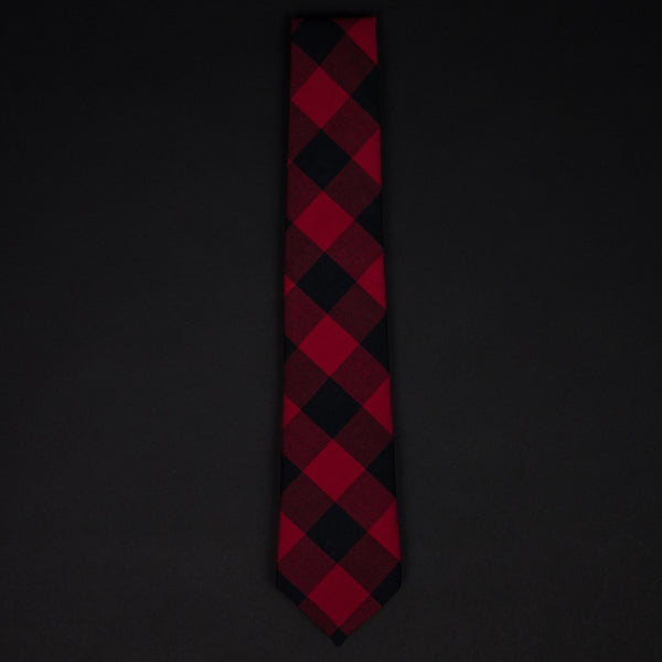 General Knot Two Buffalos Tie at The Lodge