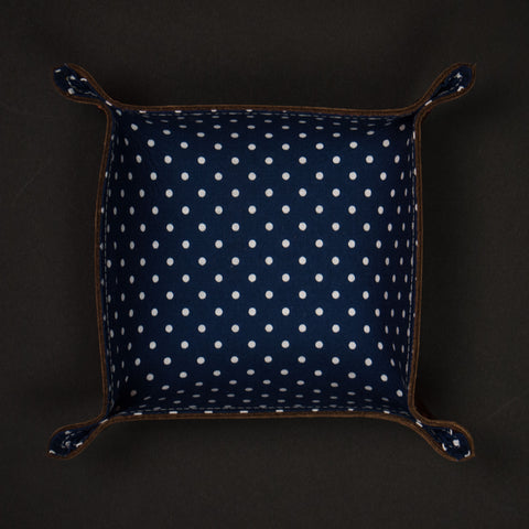 The Lodge ManTray Small Blue Dots with Tan Leather