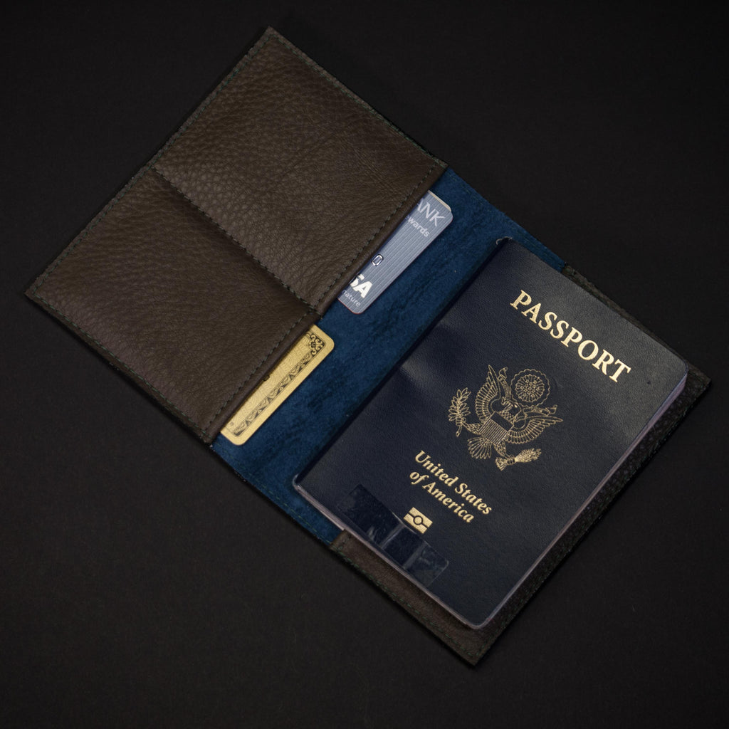 OLIVE WILT 1862 THOMAS PASSPORT WALLET