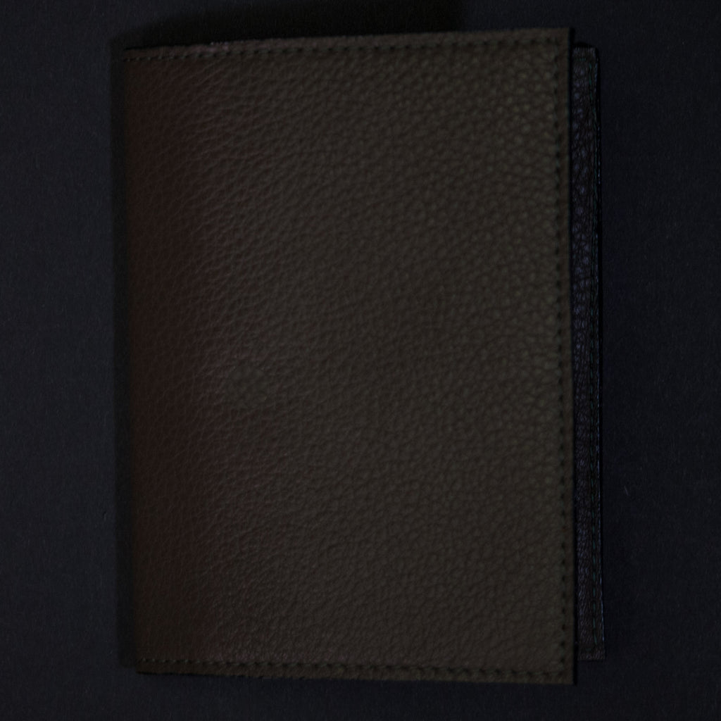 Wilt 1862 Olive Leather Passport Wallet at The Lodge