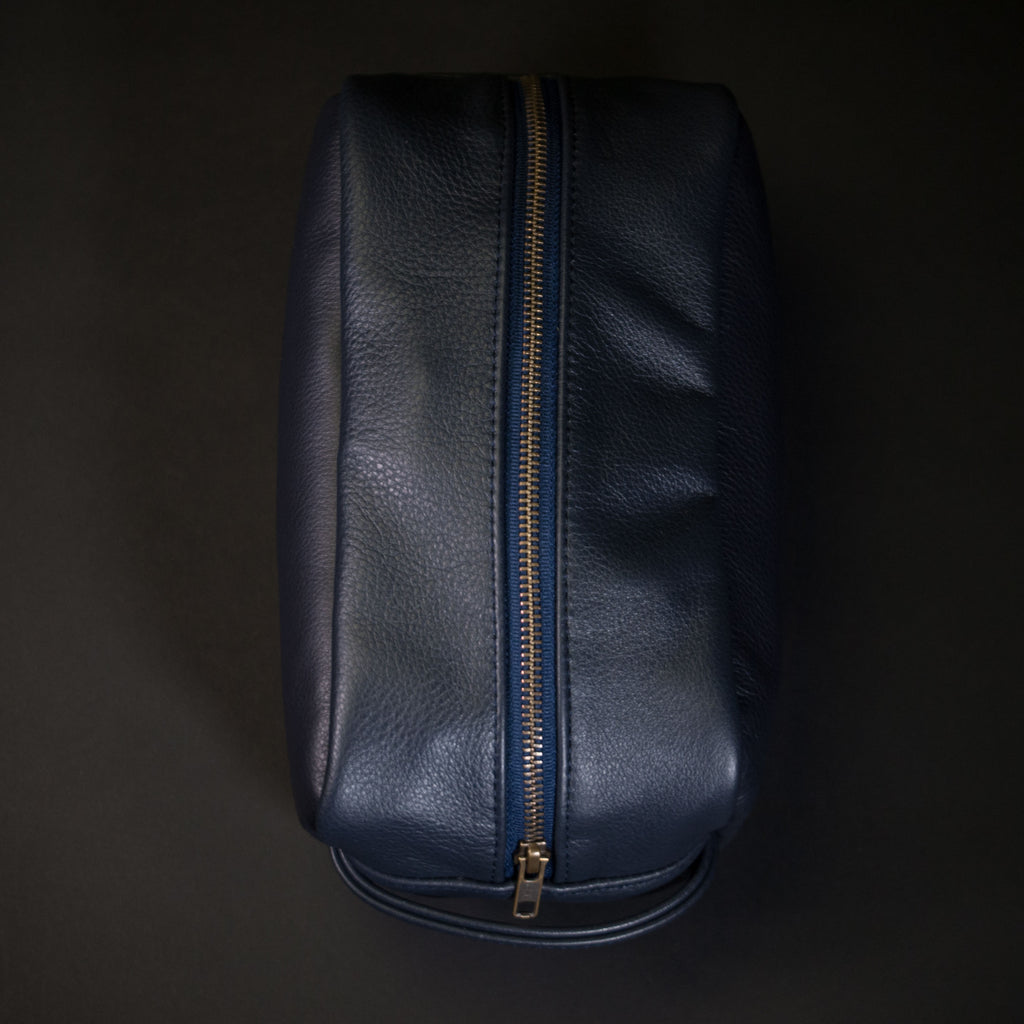 NAVY WILT LEATHER PEARY TRAVEL KIT
