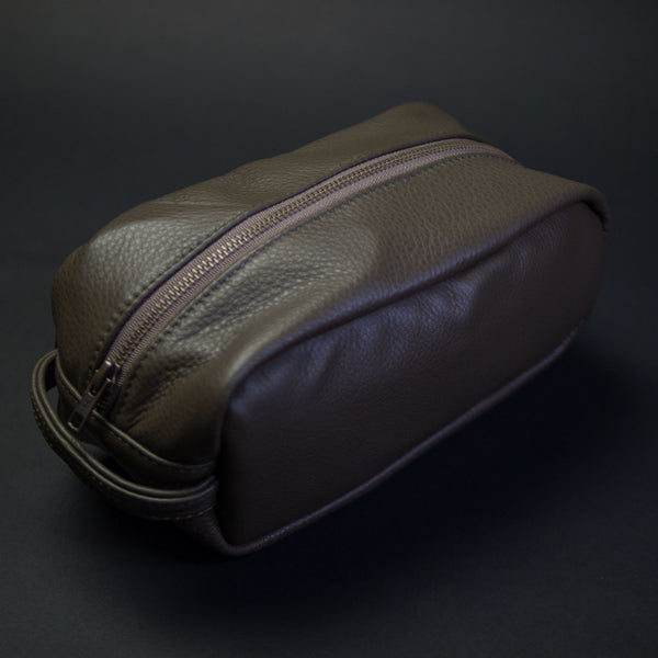 OLIVE WILT LEATHER PEARY TRAVEL KIT