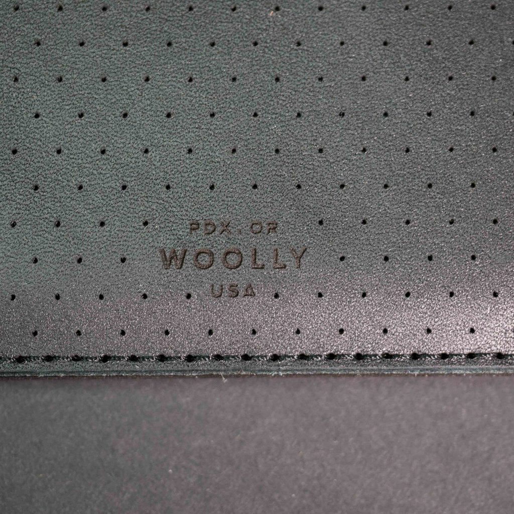 BLACK DOTS LEATHER HALF CARD WALLET WOOLLY